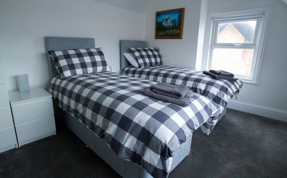 tiwn bedroom